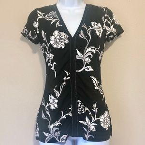 WHBM XXS top black and white